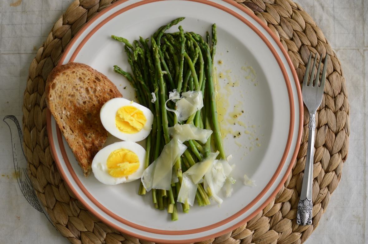 asparagus-salad-with-hard-boiled-eggs-recipe-1