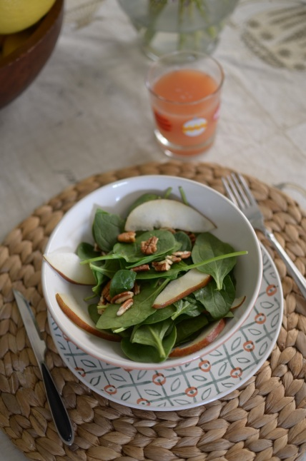 spinach-and-brie-pear-salad-recipe-myminiland-2